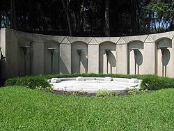 Howard Hughes grave at Glenwood Cemetery
