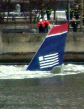 image of United Airways 1549 sinking in water