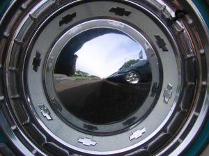 image of Chrysler hubcap