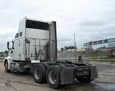 Drayage trucks