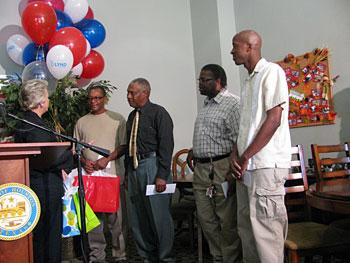 Mayor Parker congratulates 4 veterans