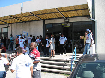 people about to enter the bus