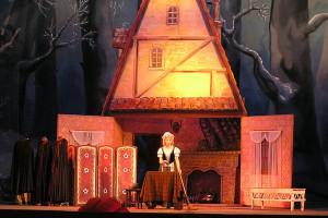 Opera Cheat Sheet:  Cinderella (La Cenerentola)
